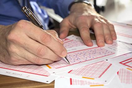 Man play lottery